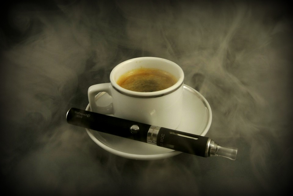 e-cigarette-cafe