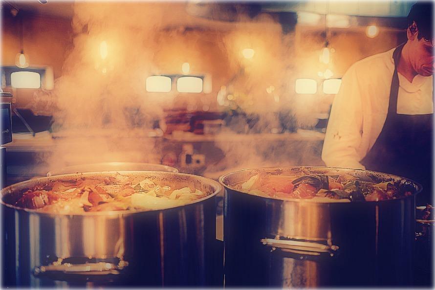 nourriture-casseroles-cuisinier